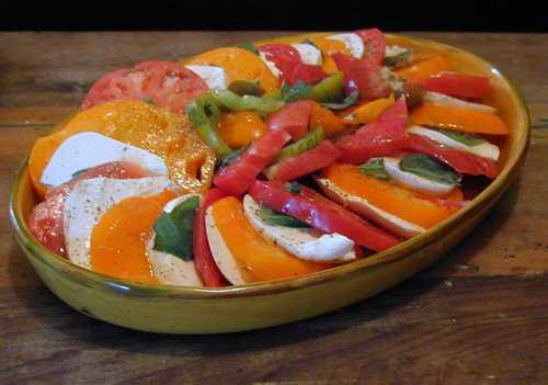 Caprese_salad_1